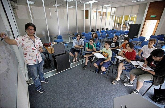 Algo pasa en colegio de Paine: mandará a dos equipos a mundial de robots